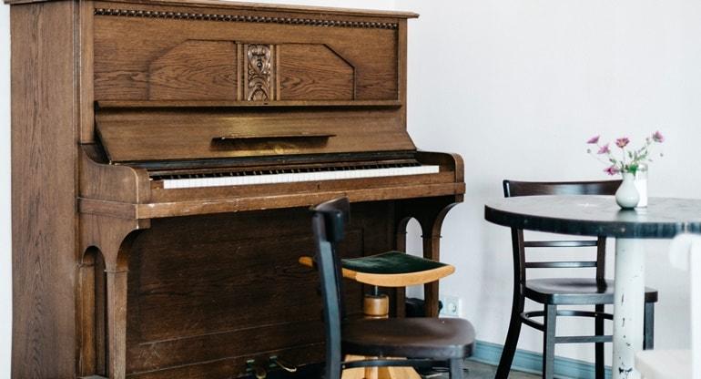 klavier vom notenblatt spielen