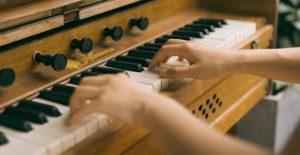 klavier spielen anfänger fehler